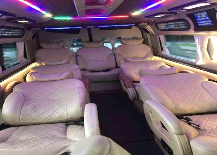 Thuê Xe Limousine đi Sài Gòn2